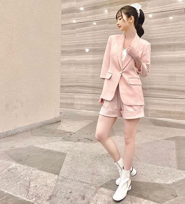 Minh Hằng, Chi Pu nhanh chân dẫn dầu xu hướng màu sắc nổi bật nhất năm 2020-16