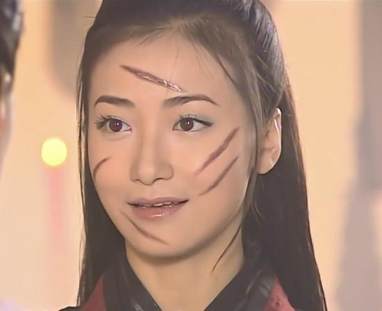 Những vết sẹo hình thù kỳ dị trên mặt các mỹ nhân Hoa ngữ trong phim cổ trang-4