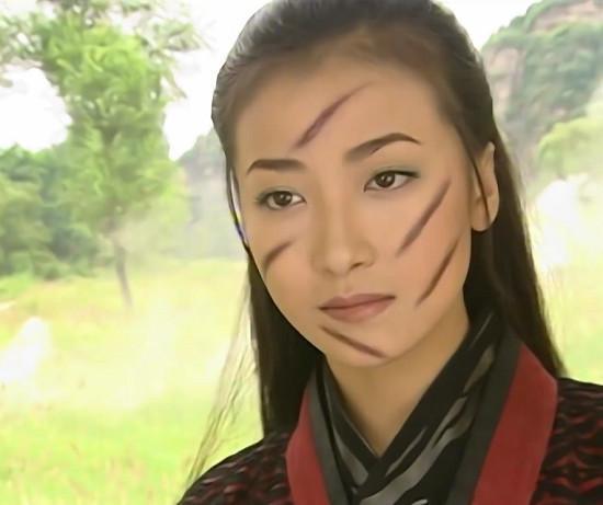 Những vết sẹo hình thù kỳ dị trên mặt các mỹ nhân Hoa ngữ trong phim cổ trang-5