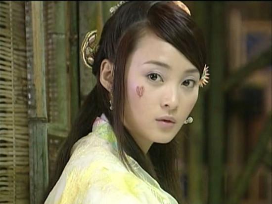 Những vết sẹo hình thù kỳ dị trên mặt các mỹ nhân Hoa ngữ trong phim cổ trang-6