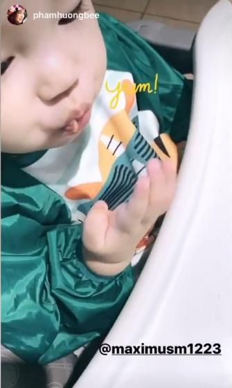 Phát sốt với hình ảnh măm măm dễ thương của quý tử nhà Phạm Hương-3