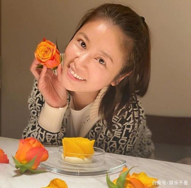 Lâm Tâm Như tự tay chuẩn bị tiệc sinh nhật cho con gái, không gian giản dị nhưng đáng yêu vô cùng-1