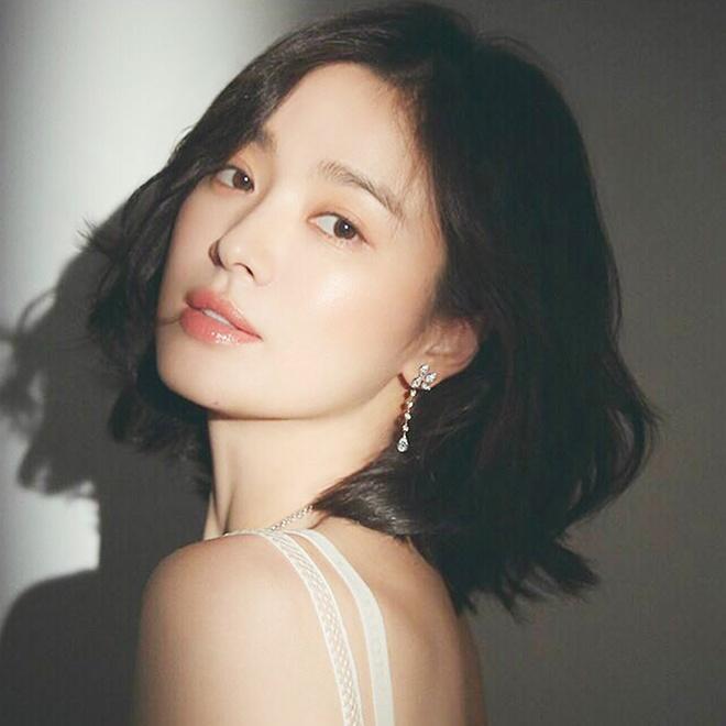 Song Hye Kyo, Park Shin Hye tiết lộ bí quyết có mái tóc đẹp tại nhà-1