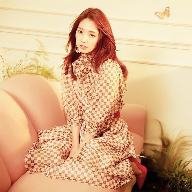 Song Hye Kyo, Park Shin Hye tiết lộ bí quyết có mái tóc đẹp tại nhà-9