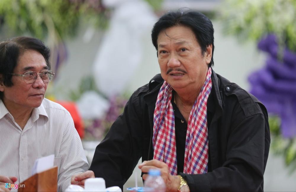 Việt Trinh, Cẩm Vân đến viếng NSƯT Chánh Tín ngày cuối-4