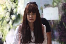 Việt Trinh, Cẩm Vân đến viếng NSƯT Chánh Tín ngày cuối