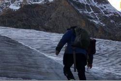 Hành trình vượt 70 dòng sông băng của nhiếp ảnh gia Trung Quốc