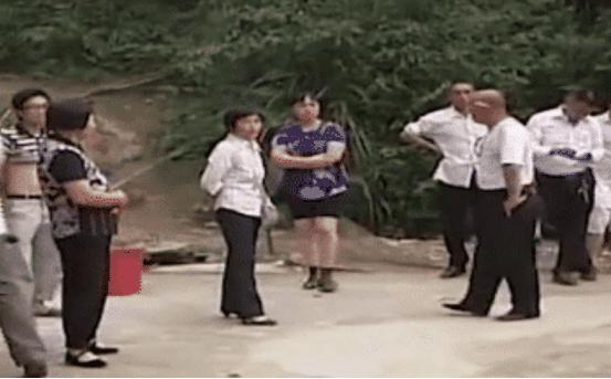 Vợ báo cảnh sát 6 lần trong đêm tân hôn vì không muốn động phòng khiến chồng tức nghẹn-3