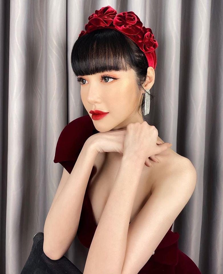 Cùng đeo bờm nhung: Hà Tăng hack cả chục tuổi - Elly Trần biến thành đóa hoa hồng-2