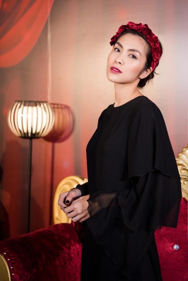 Cùng đeo bờm nhung: Hà Tăng hack cả chục tuổi - Elly Trần biến thành đóa hoa hồng-6