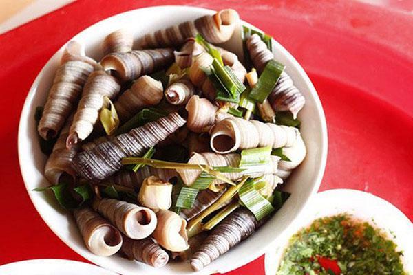 Trúng độc nghi do ăn ốc biển, 1 người chết, 7 người nguy kịch-1