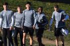 Văn Hậu xuất hiện nổi bật trong dàn cầu thủ Heerenveen