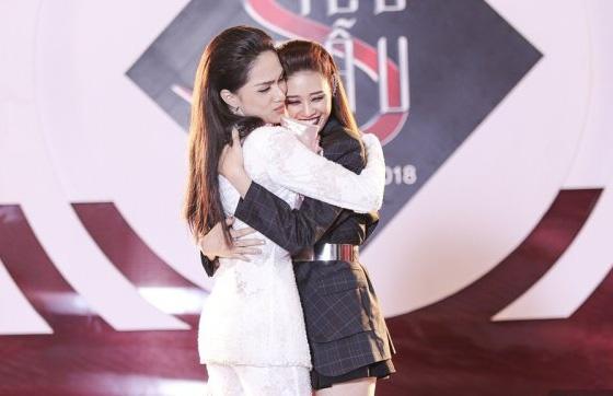 Là mỹ nhân chuyển giới nhưng nhan sắc Hương Giang giờ đây nổi bật hơn cả đương kim Hoa hậu Khánh Vân-7