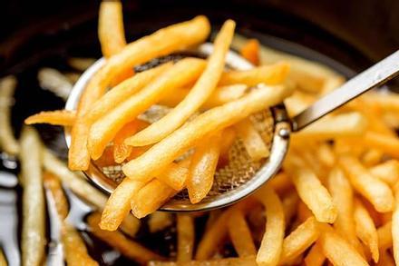 Mẹo làm khoai tây chiên vỏ giòn tan như nhà hàng
