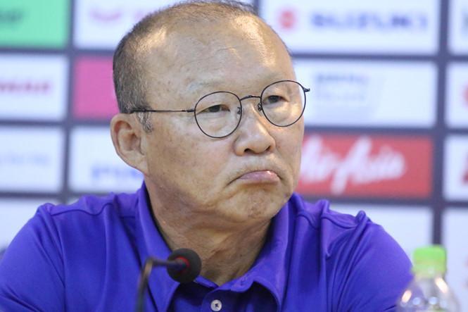Thầy Park tiết lộ lý do Bùi Tiến Dũng thoát ghế dự bị sau màn lăn xả quên mình trận gặp UAE-1
