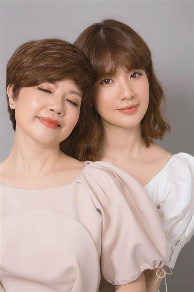 Nhan sắc cực phẩm của con gái nghệ sĩ Chí Trung, được ví là bản sao mỹ nhân Song Hye Kyo-6