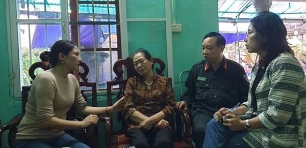 Không ngăn được nước mắt trong ngôi nhà người cán bộ hy sinh ở Đồng Tâm-2