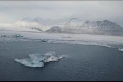 Khung cảnh tựa hành tinh lạ tại băng đảo ngày đông