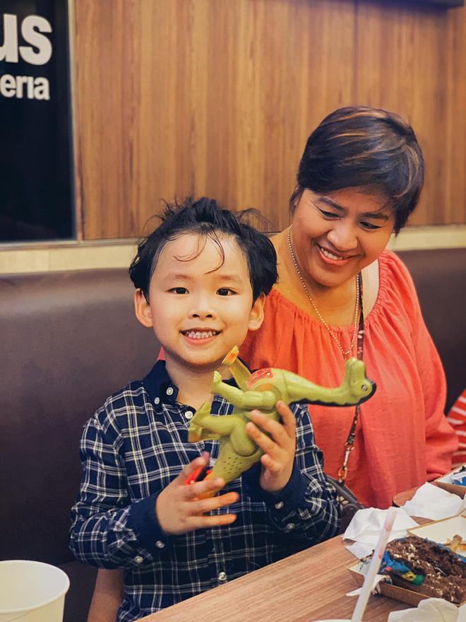 Ông xã Diễm Hương vắng mặt trong tiệc sinh nhật con trai giữa tâm bão ly hôn-2