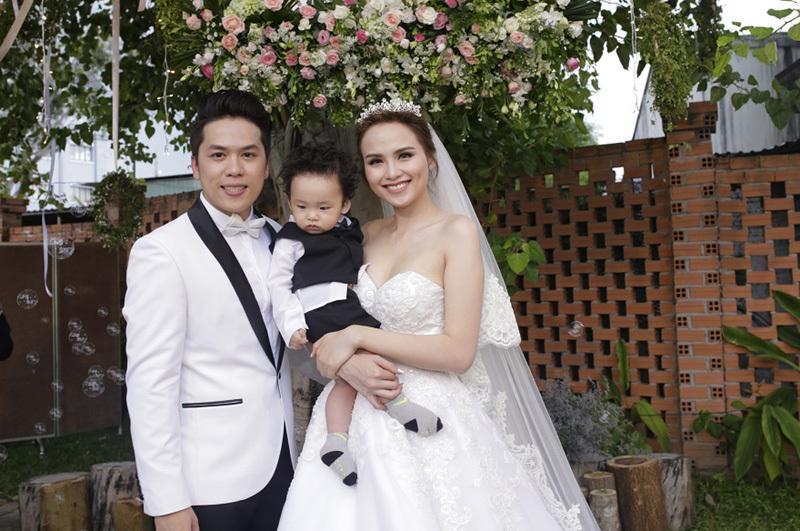 Ông xã Diễm Hương vắng mặt trong tiệc sinh nhật con trai giữa tâm bão ly hôn-4