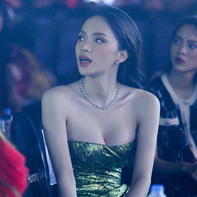 Hoa hậu Hương Giang chạm trán Nữ hoàng gợi cảm HyunA: Nhan sắc khó phân định thắng thua-9