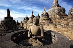 Ngôi đền Phật giáo lớn nhất thế giới ở Indonesia