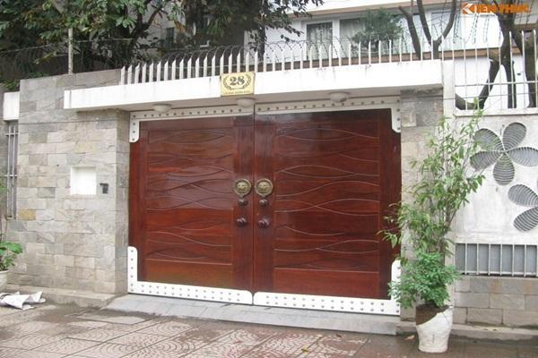 Trang trí cổng nhà đón Tết theo cách này để may mắn ầm ầm kéo đến-2