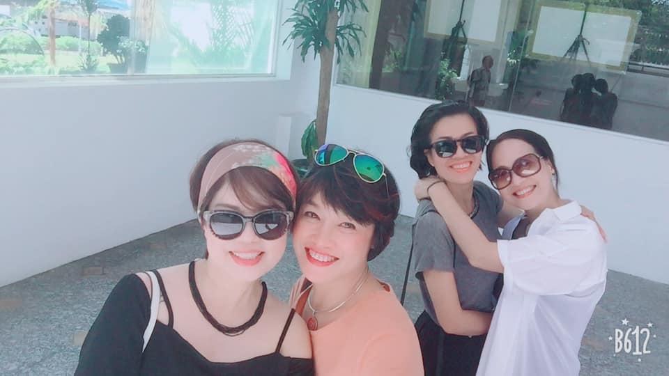 Bạn bè động viên nghệ sĩ Ngọc Huyền sau ly hôn-4