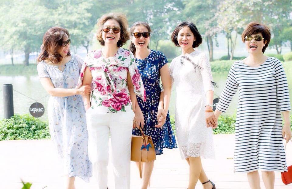 Bạn bè động viên nghệ sĩ Ngọc Huyền sau ly hôn-8