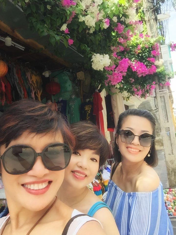 Bạn bè động viên nghệ sĩ Ngọc Huyền sau ly hôn-9