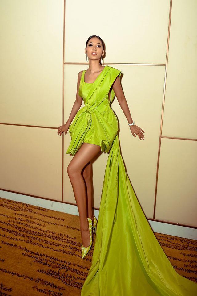 Màn đụng hàng cực gắt đầu năm 2020: Min - Hà Hồ chiếm thế thượng phong khi mặc chung váy với Hoàng Thùy-4