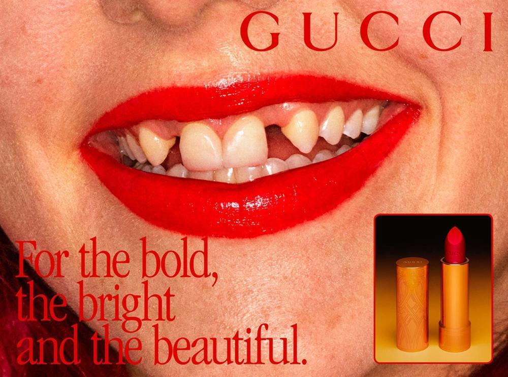 Gucci thay ảnh đại diện, chó mặc quần áo và loạt quảng cáo độc lạ-3