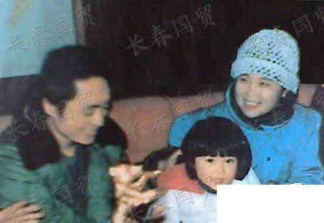 Trương Nghệ Mưu: Bỏ vợ khi thành danh, kết hôn với học trò kém 31 tuổi-1