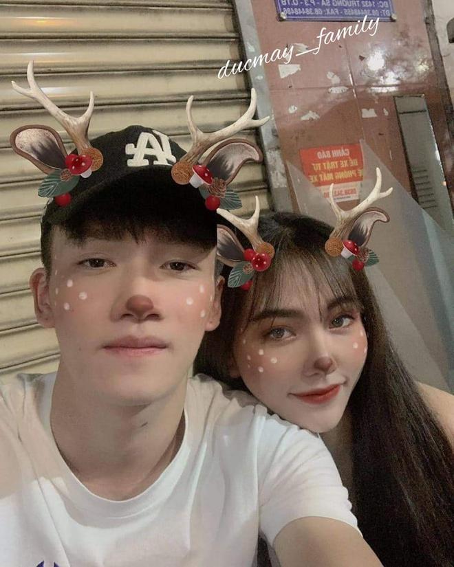 Sang Thái Lan cổ vũ người yêu, bạn gái Hoàng Đức chiếm spotlight với gương mặt xinh đẹp và body bốc lửa-3