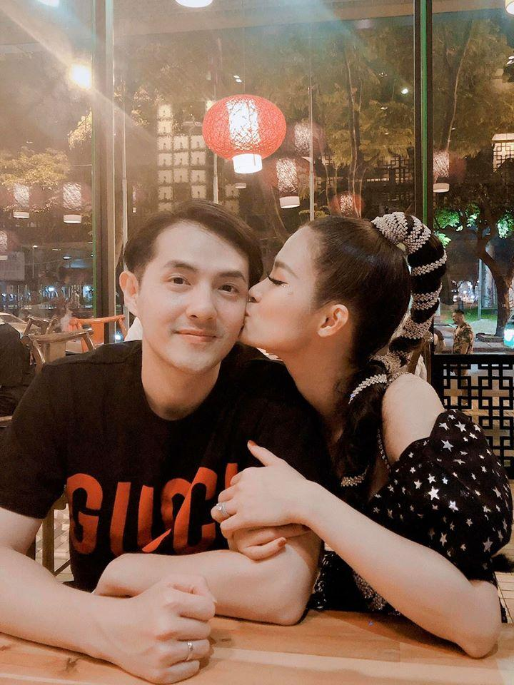Đông Nhi mừng sinh nhật Ông Cao Thắng, dân mạng phát hờn vì vợ chồng son quá lãng mạn-8
