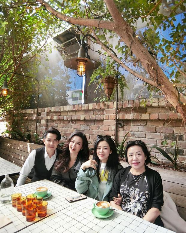 Khoe ảnh sinh nhật anh trai, em gái Ông Cao Thắng làm dân tình chú ý về nhan sắc mẹ ruột-5
