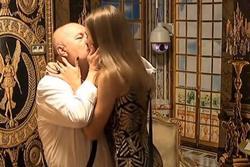 Cụ ông 74 tuổi chia sẻ nỗi đau bị vợ trẻ 21 tuổi cắm sừng đến nỗi phải ly hôn