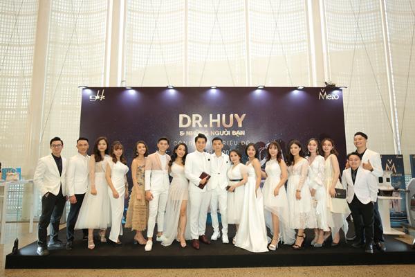 Dr Huy tổ chức Dạ tiệc trắng tri ân khách hàng-2
