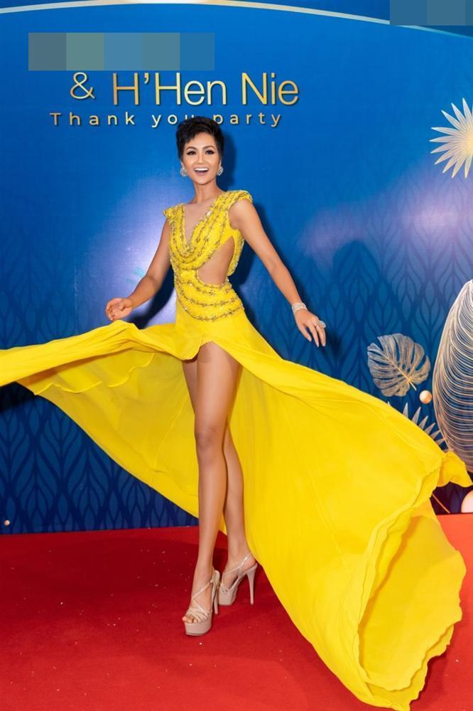 Mặc lại chiếc váy định mệnh trên đấu trường quốc tế, mỹ nhân Việt nào đạt phong độ đỉnh cao?-7