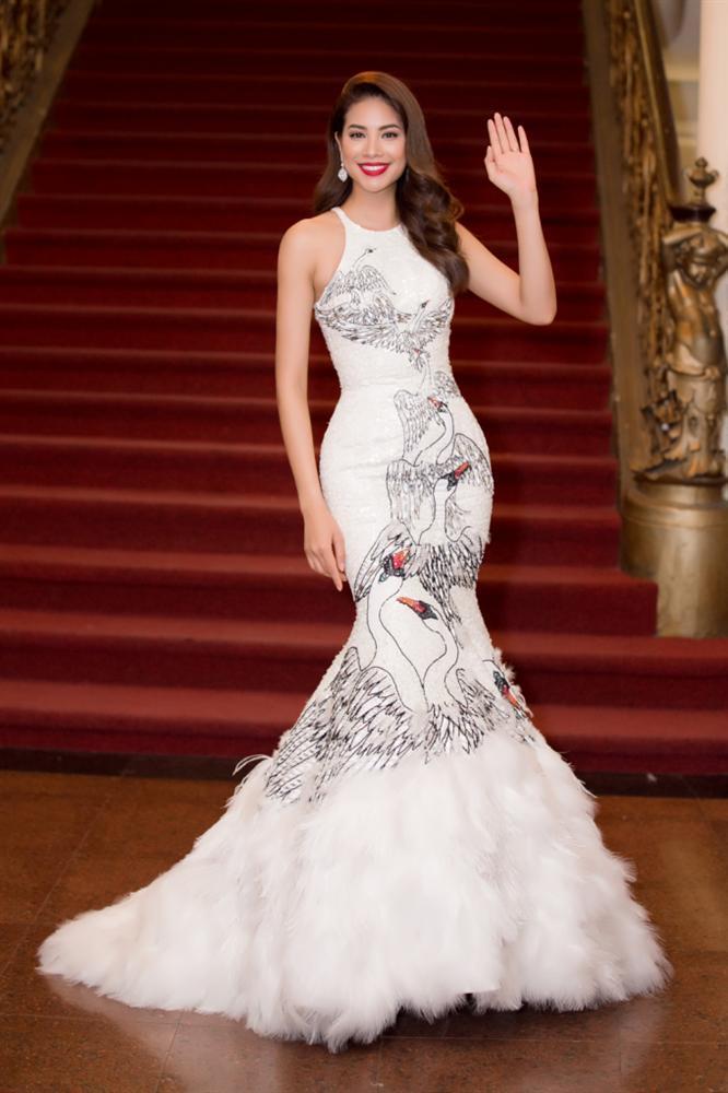 Mặc lại chiếc váy định mệnh trên đấu trường quốc tế, mỹ nhân Việt nào đạt phong độ đỉnh cao?-16