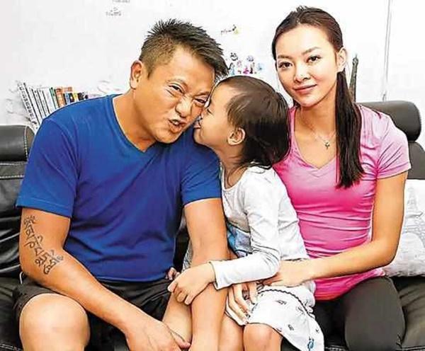 Tài tử TVB ly hôn sau khi phát hiện vợ nhiều năm ngoại tình-1