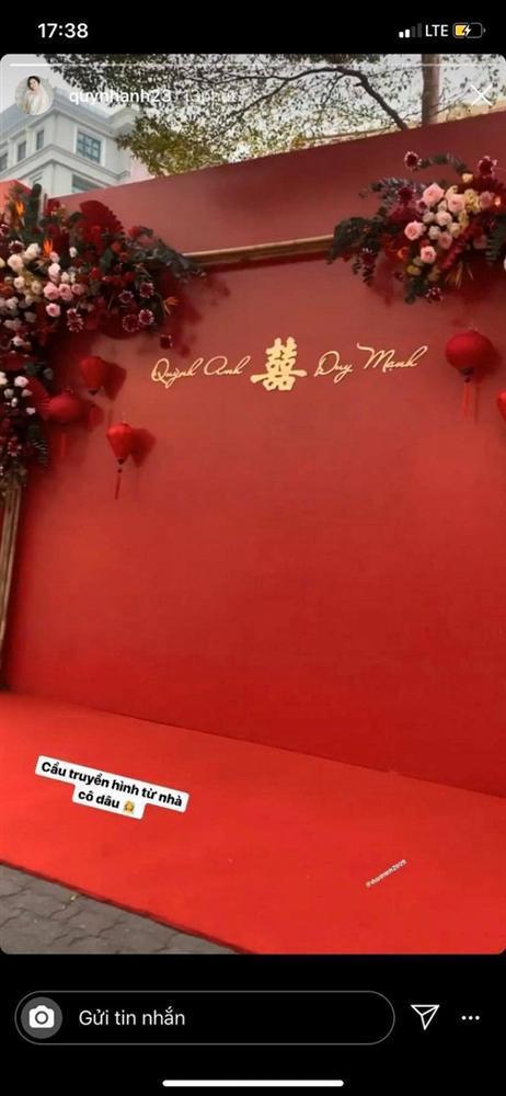 Không gian đám hỏi ở tư gia Đỗ Duy Mạnh trái ngược với tiệc mời hoành tráng tại nhà Quỳnh Anh-4