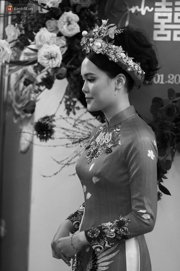 Chú rể Đỗ Duy Mạnh trang điểm sương sương, cô dâu Quỳnh Anh vấn đầu tổ chim trong lễ ăn hỏi-9