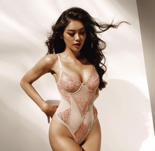 4 hot girl ngày càng đẹp gợi cảm sau khi độc thân vui vẻ-1