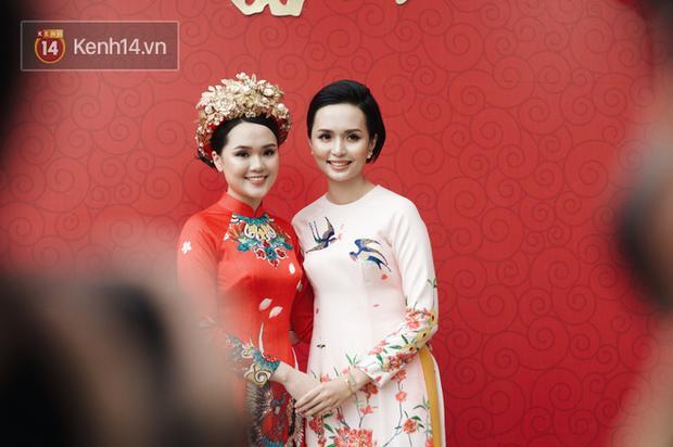 Ngày em ăn hỏi, chị gái Quỳnh Anh cũng chiếm sóng với nhan sắc chẳng phải vừa đâu-1