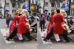 Hết hồn với dáng đứng của Bình An - Bùi Phương Nga trên phố khi mặc áo dài