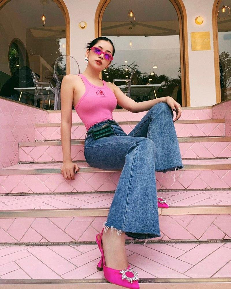 Hòa Minzy tự tin diện đầm bodycon ngắn cũn - Thúy Vi bắt nhịp xu hướng với váy tím pastel-3