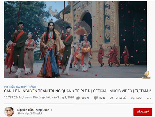 Ra mắt gần 2 tuần, khán giả mới phát hiện ra chi tiết vô lý trong MV Canh ba của Nguyễn Trần Trung Quân-1