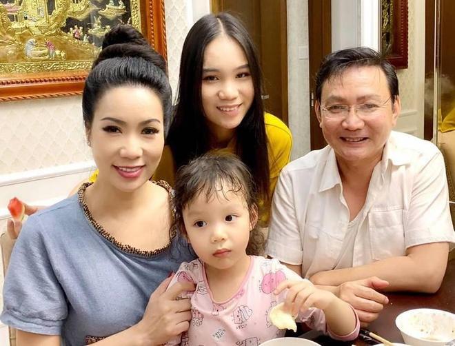 Các ái nữ nhà sao Việt có chiều cao nổi bật-8