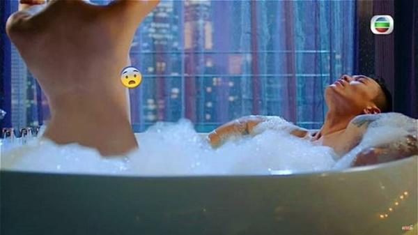 Top 10 cảnh nóng xứ Trung gây tranh cãi: Phạm Băng Băng bị chê phản cảm-20